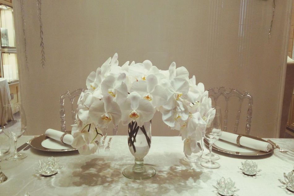 White table Table Set White Flower Dinner White Theme The Penninsula Wedding Theme Hotel By The River Bangkok Thailand Chareon Nakorn