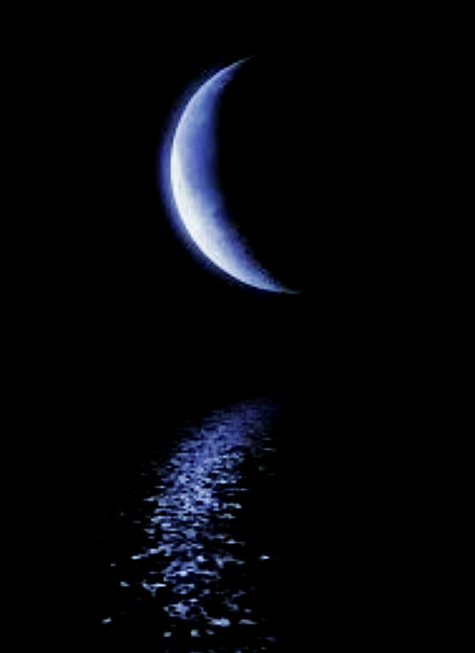 Night Dark Nature No People Beauty In Nature Moon Astronomy Outdoors Reflection Photography Arts Culture And Entertainment Check This Out Black Scratch Artwork EyeEmNewHere Backgrounds Tranquility Sky Close-up Art Glowing Moonlight Moon Planetary Moon Purity Water Fragility