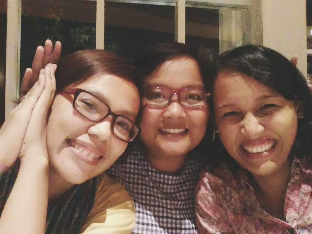 There are some people in life that make you laugh a little louder and smile a little bigger ~ unknown BFF ❤ BFF Time Hanging Out Enjoying Life Friendship Wefie Taking Photo