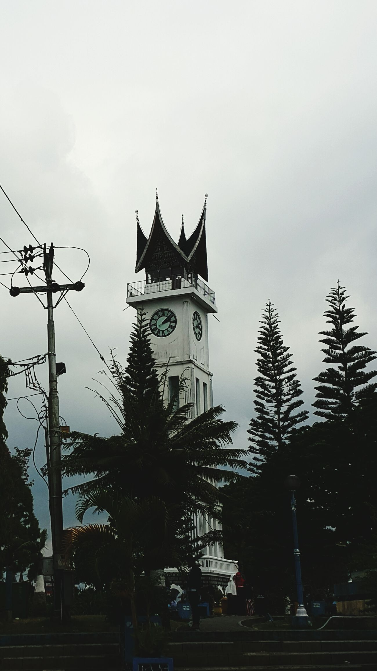 Not only in England, in Indonesia we called Jam Gadang, the big bang of Indonesia at Bukit Tinggi, West Sumatera Jamgadang SumateraBarat Bukittinggi Sejarahindonesia