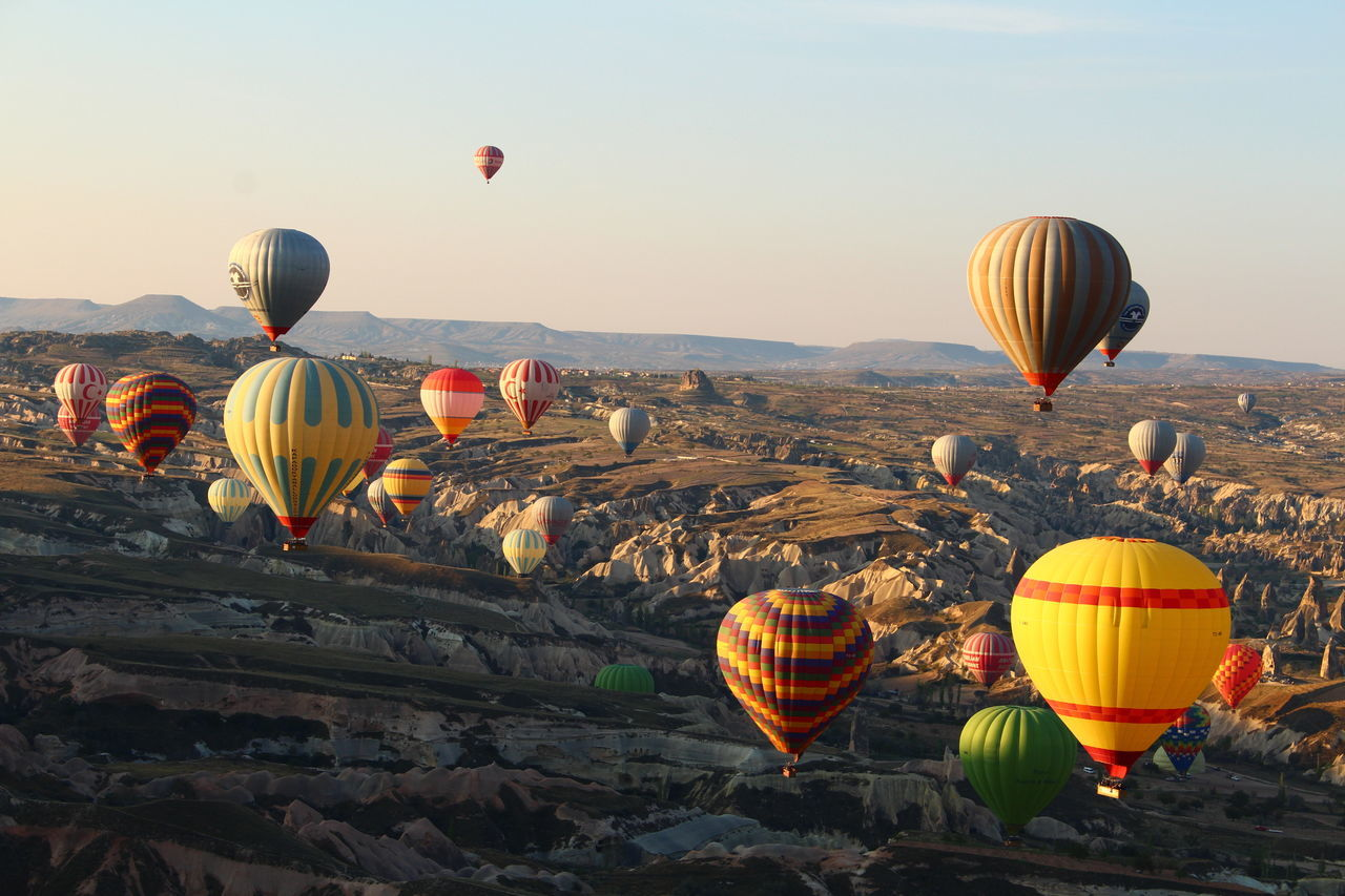 Beautiful stock photos of balloon, Adventure, Air Vehicle, Clear Sky, Day