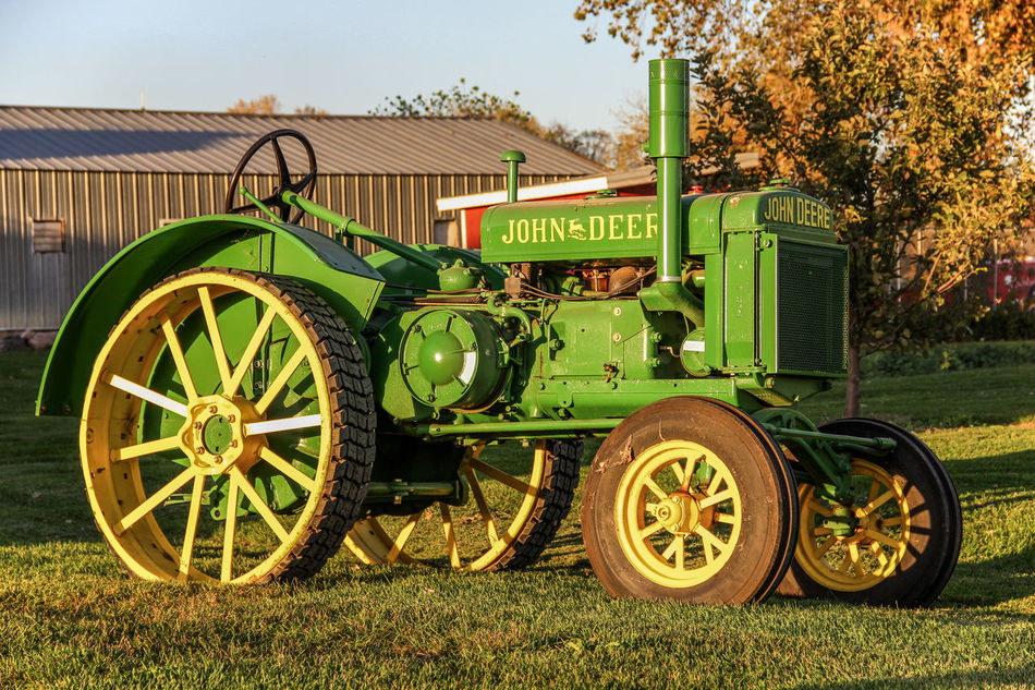 Antique Tractor Agriculture Antique Canon60d Canonphotography Farm Grass Green John Deere Old Restored Shed Spoked Wheels Tractor Tree