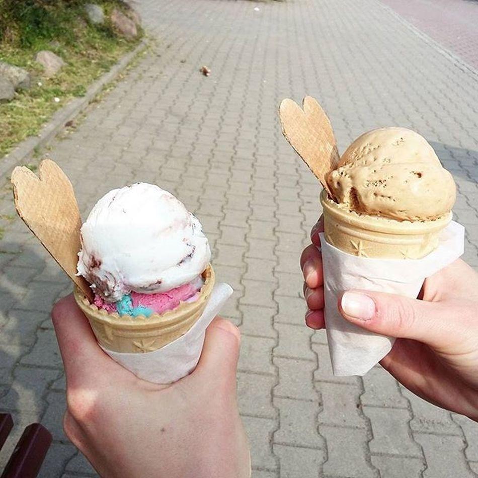 Mniam mniam🍦🍦 Free Time Długi Weekend Lody Ice Cream With Boy Solony Karmel Guma Balonówa Kokos Coconut Deser Dessert Food Instafood Foodporn Wiosna April Polishgirl Dzierżoniów Poland likeforlikel4lf4f