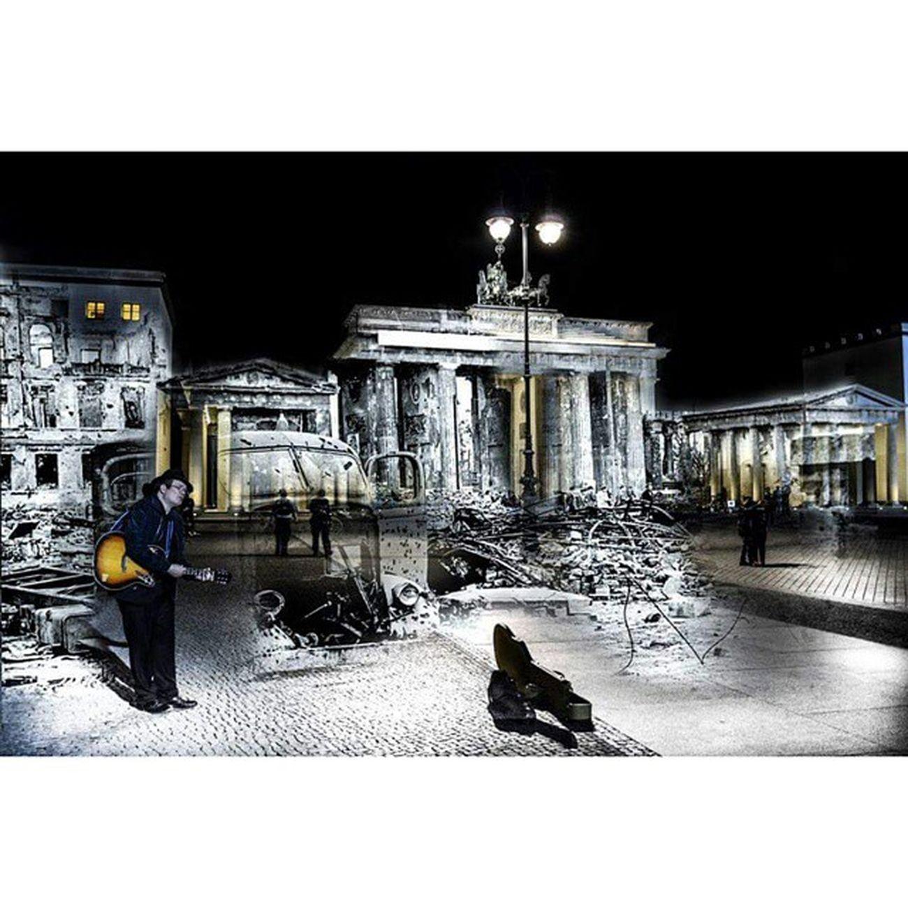Brandenburg Tor. 1945 - 2015 Berlinklassiker Berliner Branderburgertor Momentogravado Parededevidro Fotoxigenio Picarus_headline Photoshoot