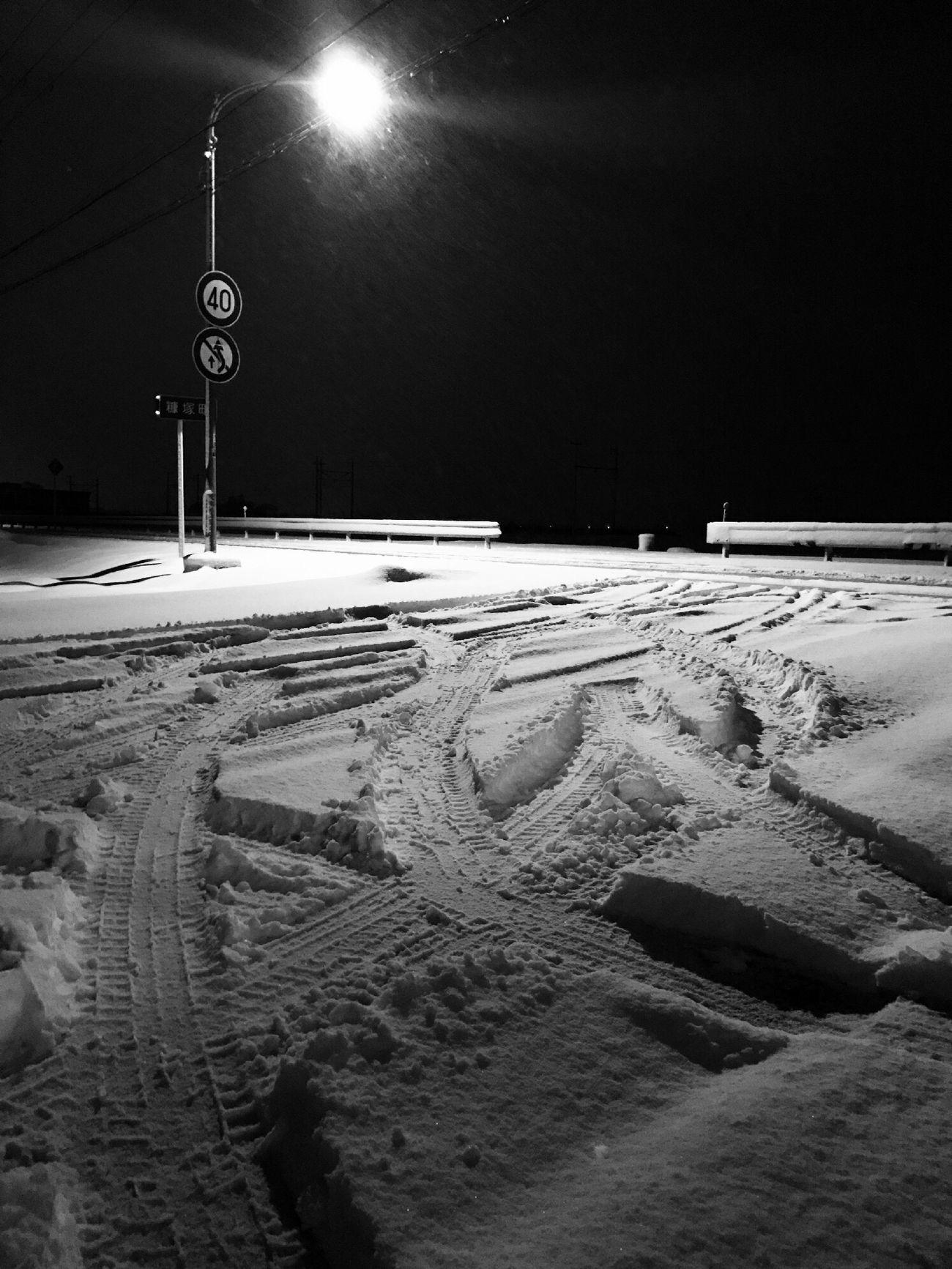 よ〜降るね🌨 No People Snow Outdoors Night 足跡 Nature Weather Winter Cold Temperature ❄ EyeEm Best Shots EyeEm Gallery ☃ 雪