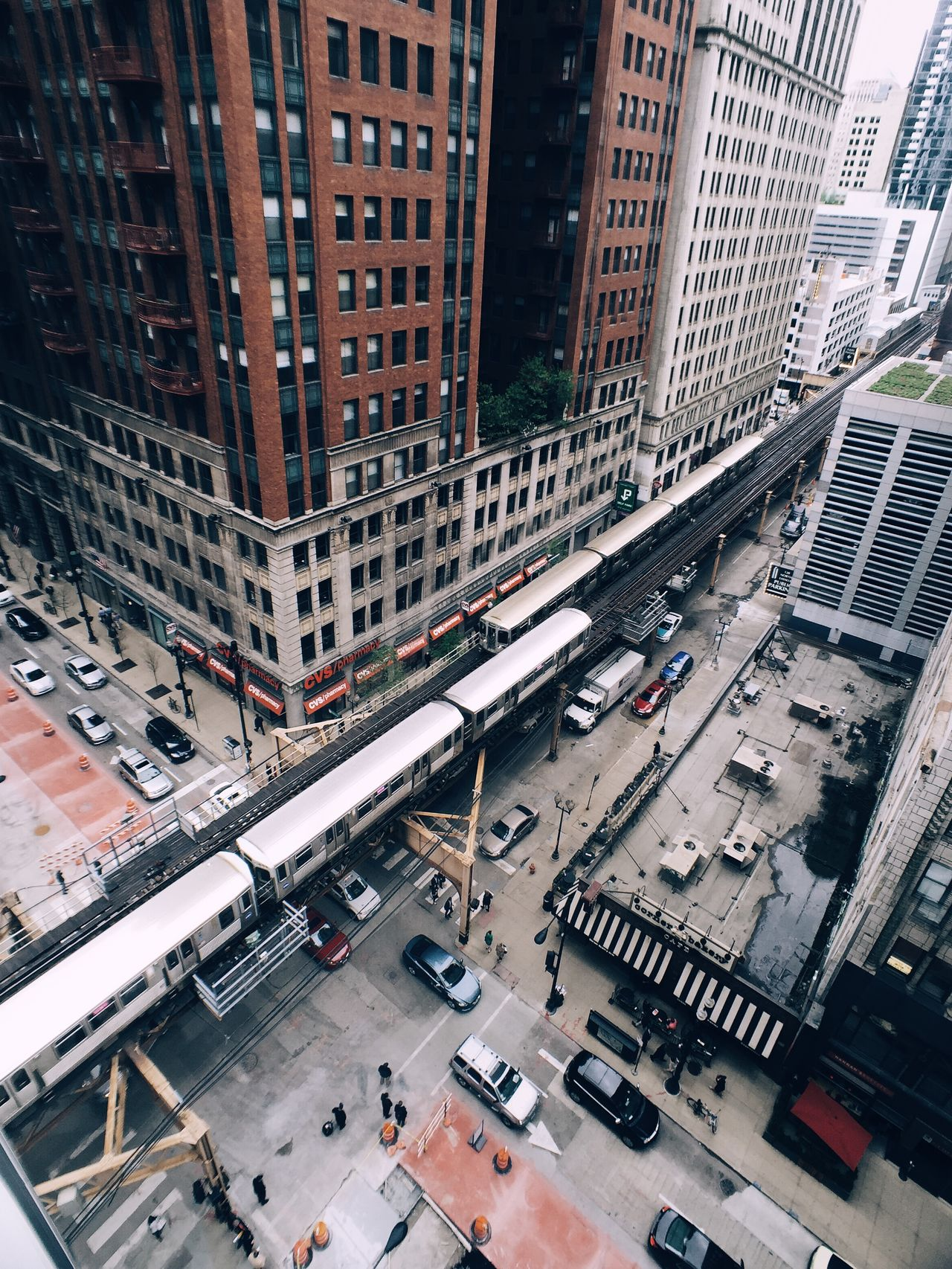 Chicago Looking Down MidWest Urban Landscape Streetphotography Cityscapes Train IPhoneography Vscocam Urbanexploration The Street Photographer - 2016 EyeEm Awards