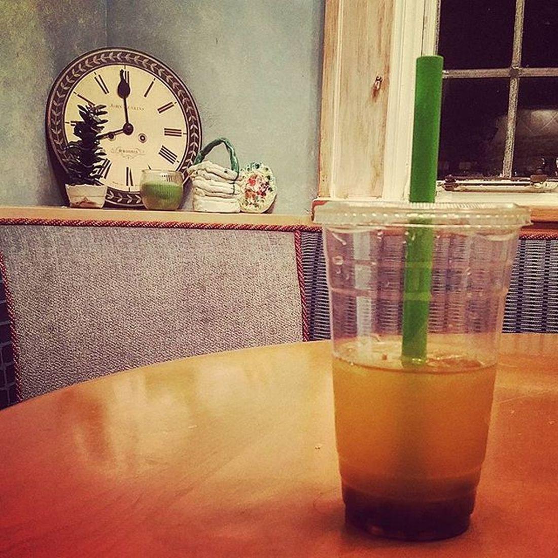 🌰🍵🎑 Passionfruit Bubbletea Home Table Clocks Urban Indie Alternative Photography Latefall Winterisuponus ItsDecember Happyholidays Happyhannukah MerryChristmas HappyKwanzaa