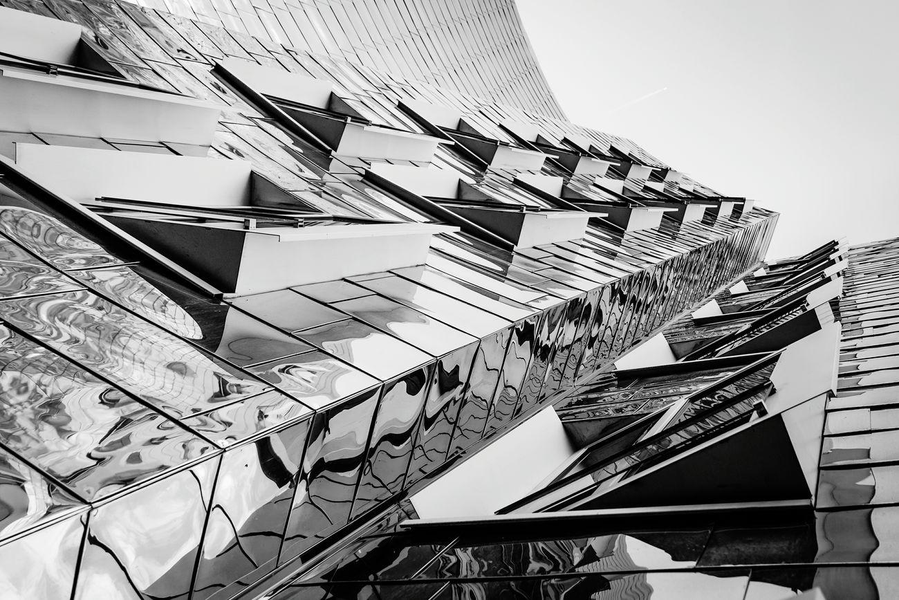 Monochrome Photography Spiegelung Düsseldorf ♡ Architecturelovers Design Düsseldorf Hafen Gebäude Architektur Artphotography Reflection Gehry Geht Steil  Fassaden Fassaden Glotzen Gehry Buildings Architectural Detail Architecture Geht Steil  Architectural Feature Geht Steil  Architektur! City Outdoors No People Monochromeart Monopod