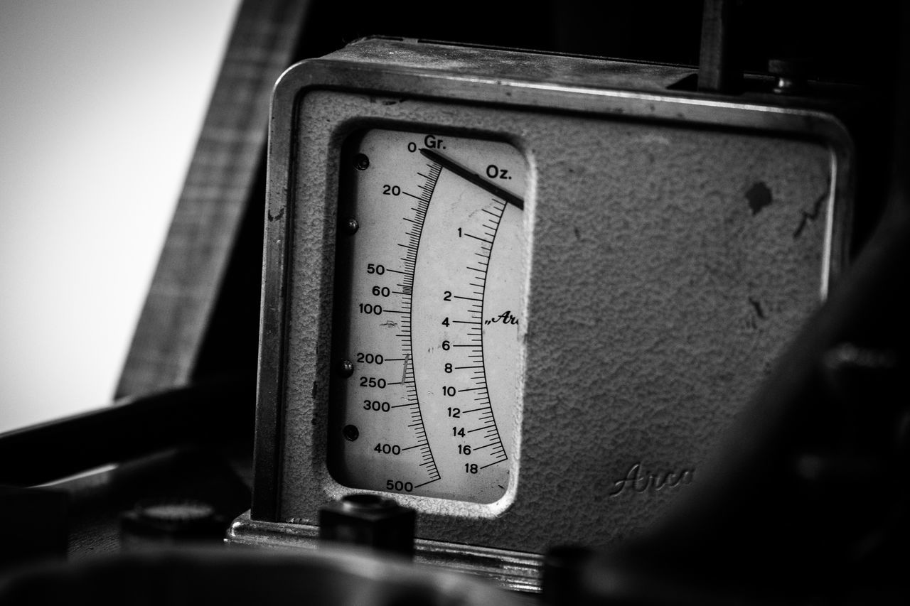 Close-up Communication Day Gauge Indoors  Instrument Of Measurement Mass - Unit Of Measurement Measuring Meter - Instrument Of Measurement No People Number Pressure Gauge Text Weight Scale