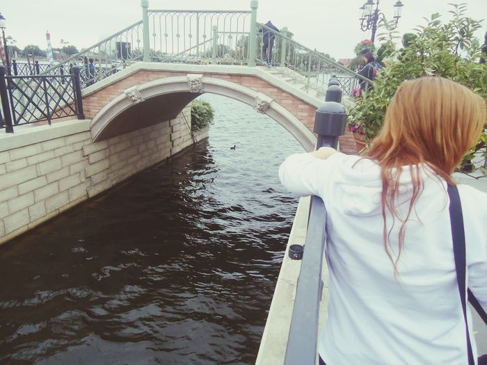 Epcot Disney Hanging Out Enjoying Life Photography Redhead Cute Traveling Vacation Happy