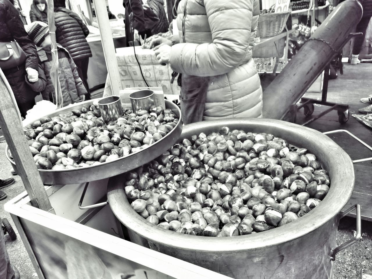 food and drink, food, real people, occupation, for sale, large group of objects, freshness, abundance, market stall, market, retail, men, outdoors, day, healthy eating, one person, working, people