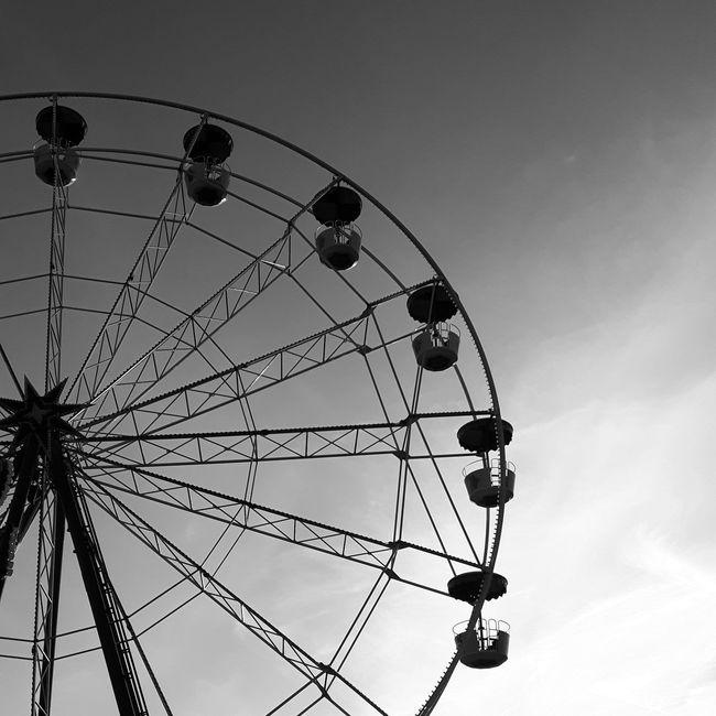 Ferris wheel Amusementpark Big Wheel Bigwheel Bigwheels Blackandwhite Bnw Fair Fairground Ferris Wheel Ferriswheel Ferriswheels Funfair Jahrmarkt Kirmes Minimalism Minimalism_bw Monochrome ObservationWheel Riesenrad Riesenräder Sky Wheel Wheels Welcome To Black