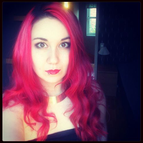 Redhead! Looks like pink though. o_o Redhead Makeup Selfie Big Eyes