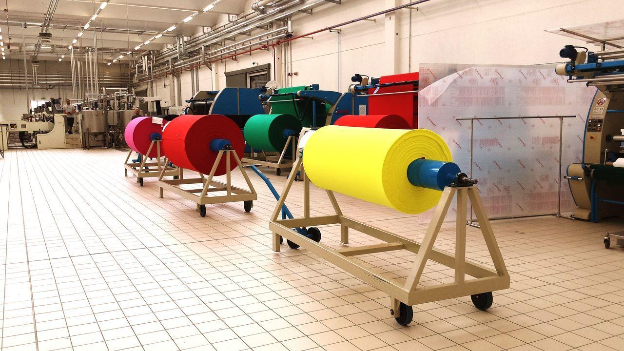 Dayatwork Happycolors Factory Materials Finished Product Myjobisamazing Qualitycontrol