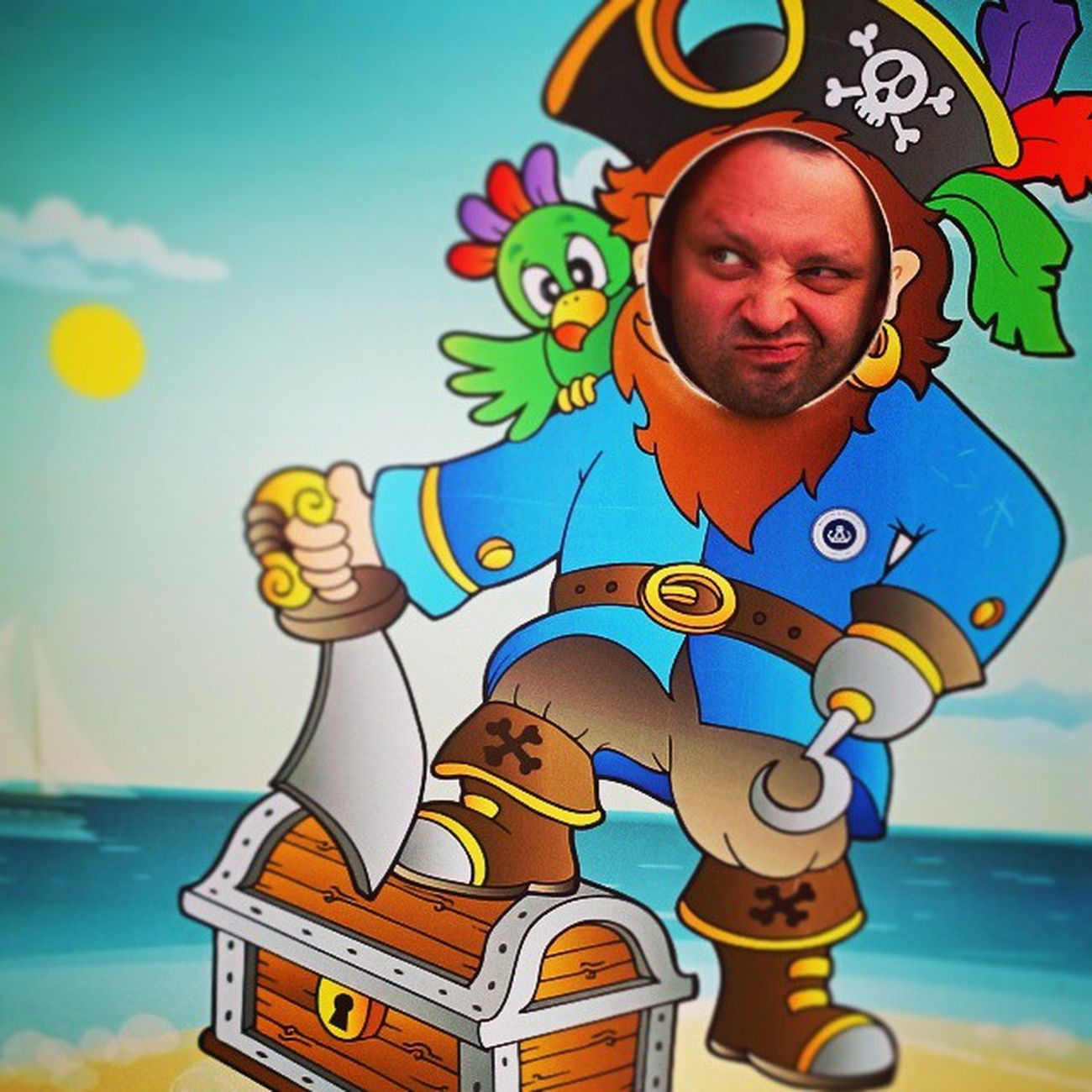 Captain on board! Pirate Captain Cartoon Fun Latergram Past_time Past_memories Balaton Balatonfüred Instagram Instafun Instamood Ig Ighun Osztalykirandulas 8a Baksay
