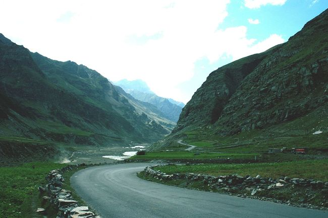 Endlessness Mountains Road Landscape_photography Landscape Cool Enjoying The Veiw  Green Green Green!  Photography