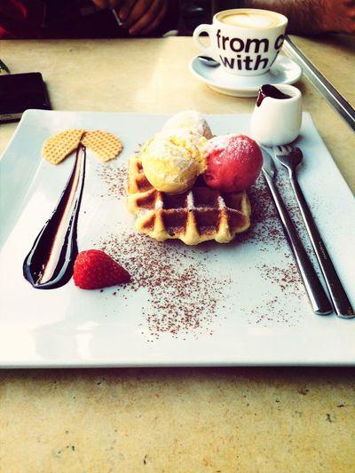 Ice Cream Waffle Tasty !
