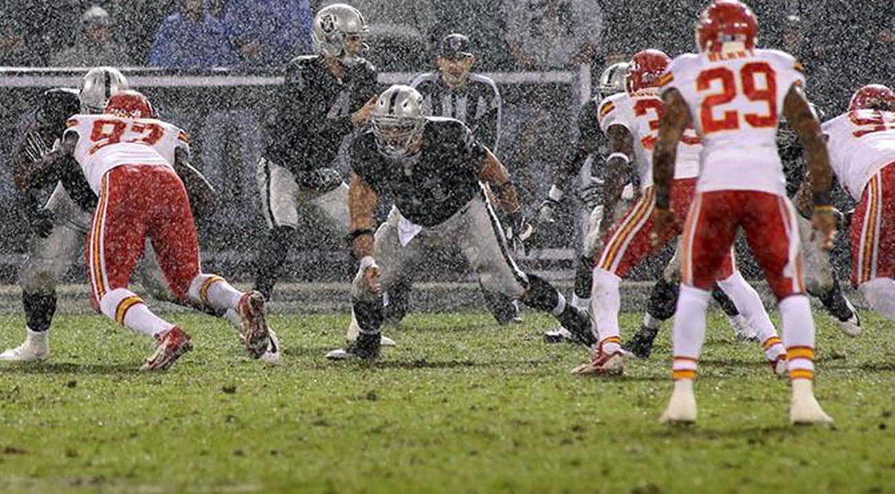 What a winning team looks like just ask the Chiefs.... Football Oakland Raiders RaiderNation Raiders4life