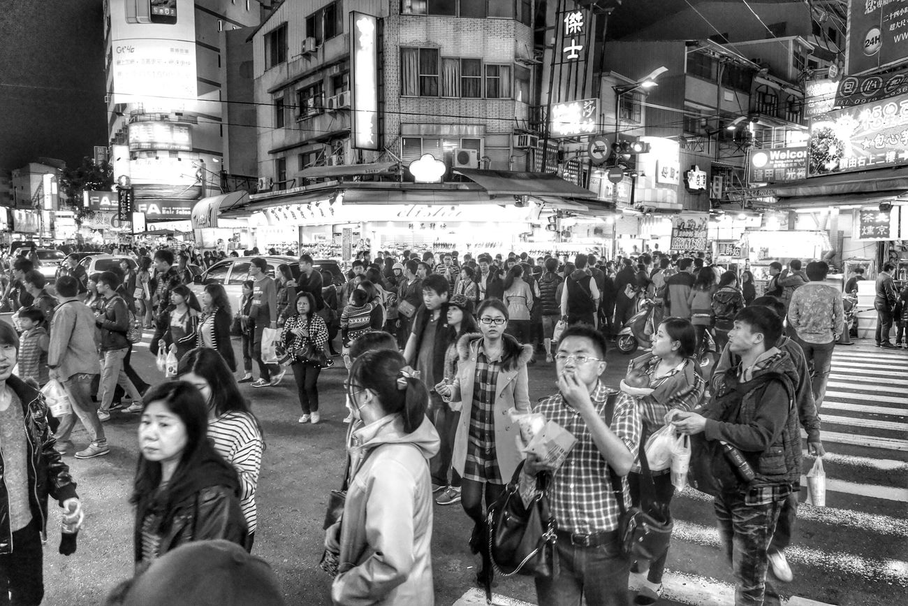 人山人海…總是… crowd The View And The Spirit Of Taiwan 台灣景 台灣情 People Streetphotography What I Saw Monochrome Blackandwhite