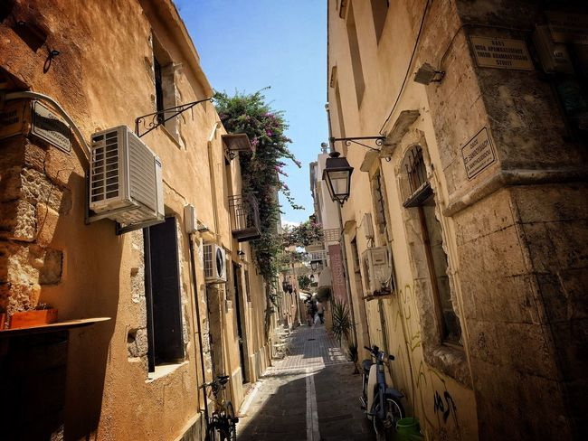 Street in Chania Crete Architecture Building Exterior Built Structure The Way Forward Street Residential Structure Narrow Residential Building Long Clear Sky Empty Diminishing Perspective Walkway Pathway Alley Day Sky Vanishing Point No People Residential District Picipo Buffulutu Bodensee Calm