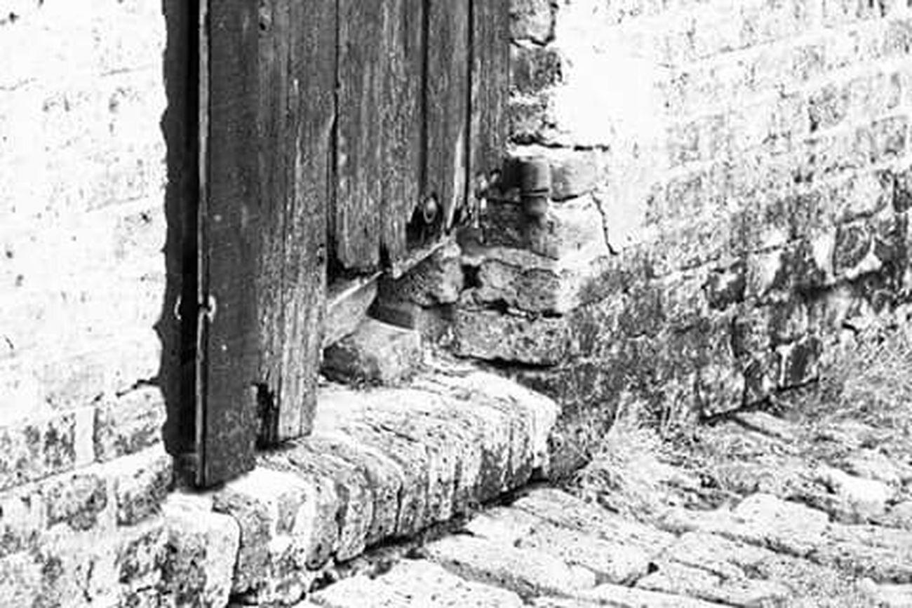 Tor Broken Porte Cassé Blackandwhite Old Canon EOS 700D