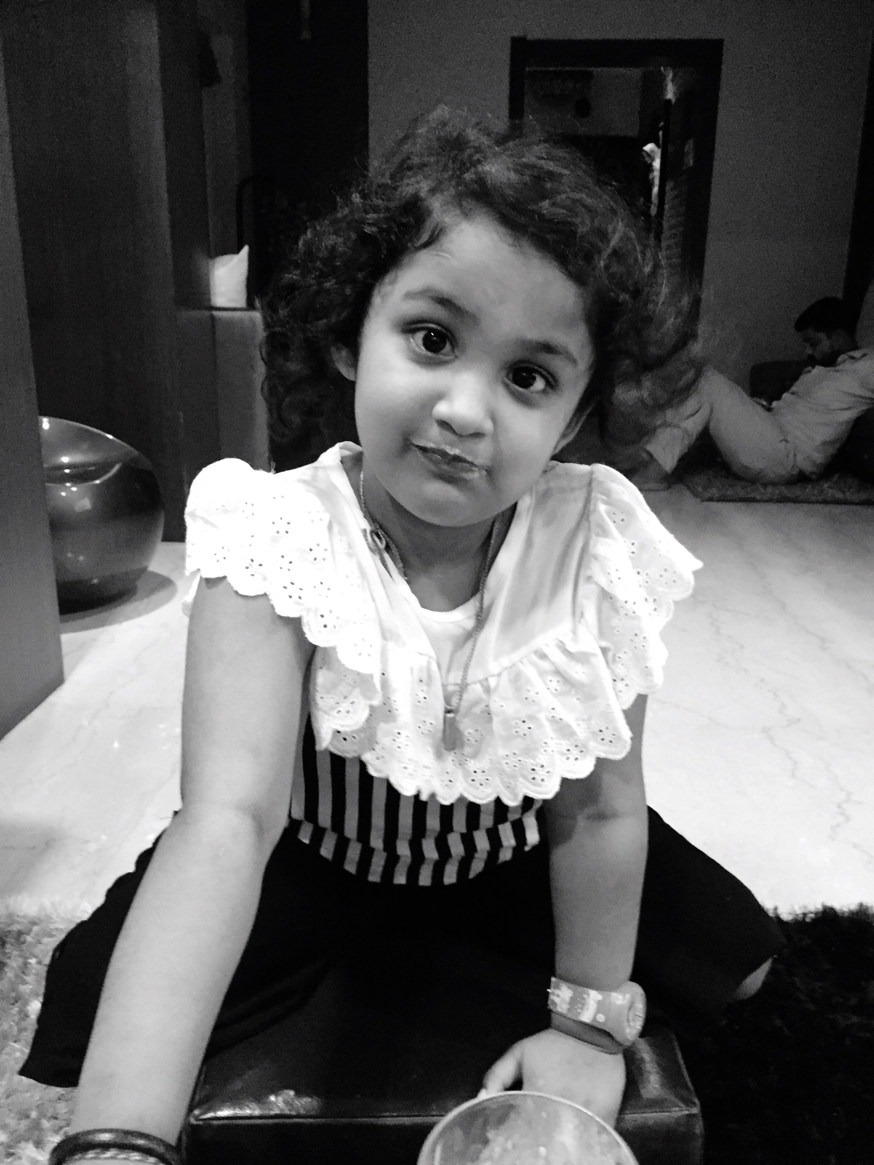 portrait, looking at camera, childhood, front view, lifestyles, indoors, casual clothing, innocence, person, toddler