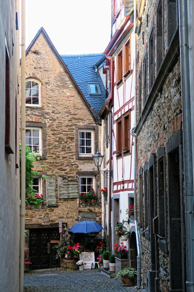 Cityscape of Beilstein at Moselle River (Germany) in summer. Beilstein Beilstein Mosel Half-timbered Half-timbered House Half-timbered Houses Mosel Mosel River Mosel River In Germany Moselle Moseltal Rhineland-palatinate Timbered House