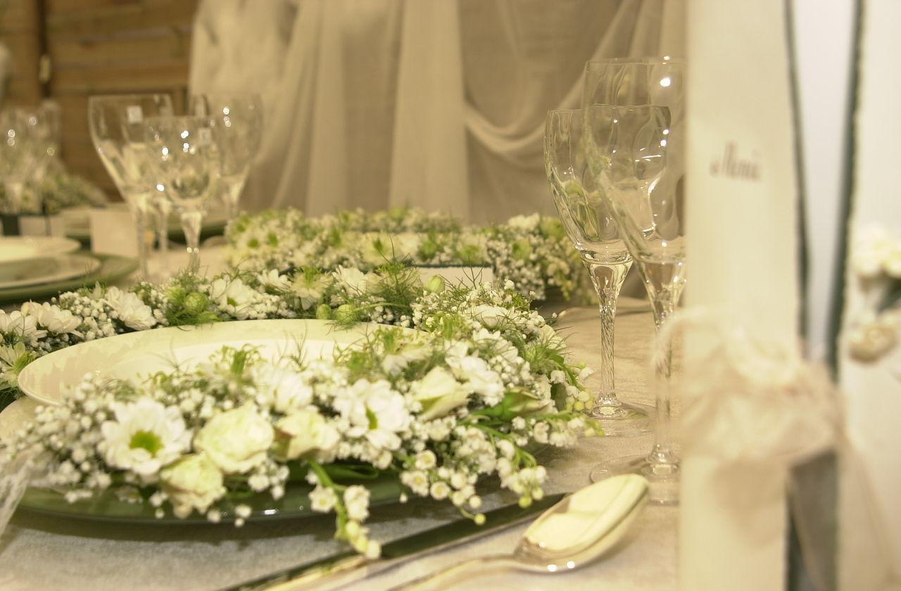 Beautiful :) Celebration Celebration Event Close-up Day Flower Freshness Indoors  Life Events No People Plant Restaurant Decor Special Moments Table Table Decoration Tablecloth Wedding Wedding Reception Wineglass