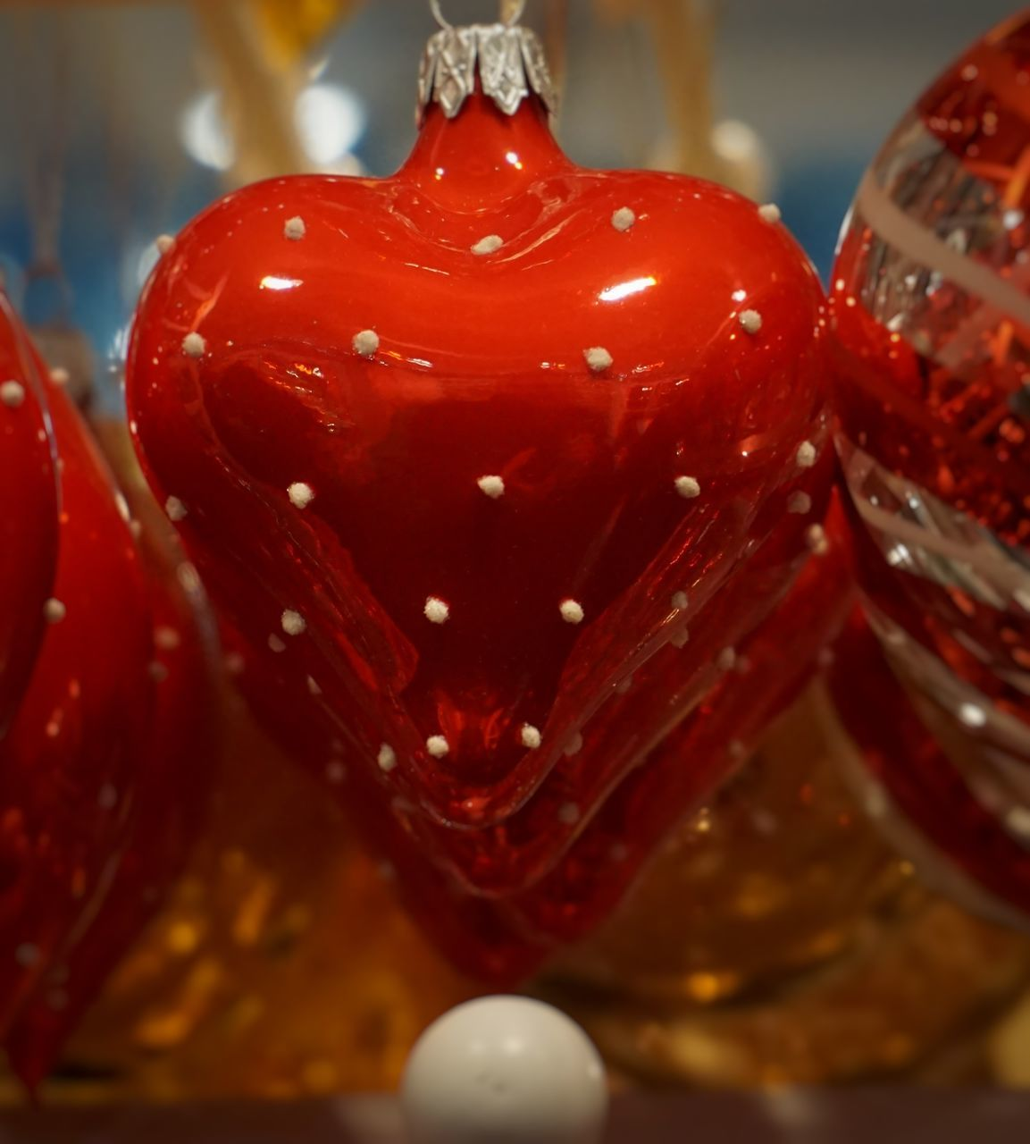 red, close-up, celebration, christmas, indoors, bauble, christmas decoration, no people, shiny, christmas ornament, day
