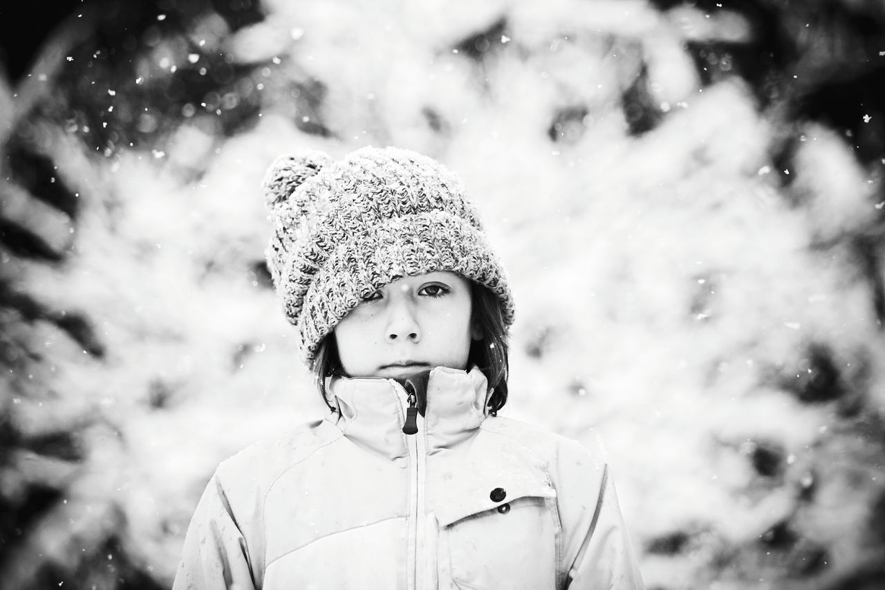 Beautiful stock photos of schneeflocken,  10-11 Years,  Annoyed,  Boredom,  Boys