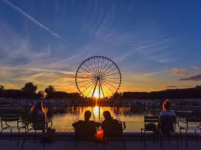 Good Evening Paris! Bonsoir Paris! Clouds And Sky Parisweloveyou Paris Photooftheday EyeEm Best Shots Sunset Sunset_collection Streetphoto_color Paris ❤