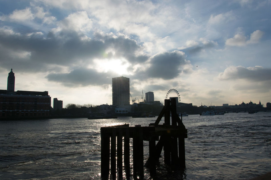 London River View Sun And Clouds Playing Water Cloud - Sky Urban Skyline Cityscape River