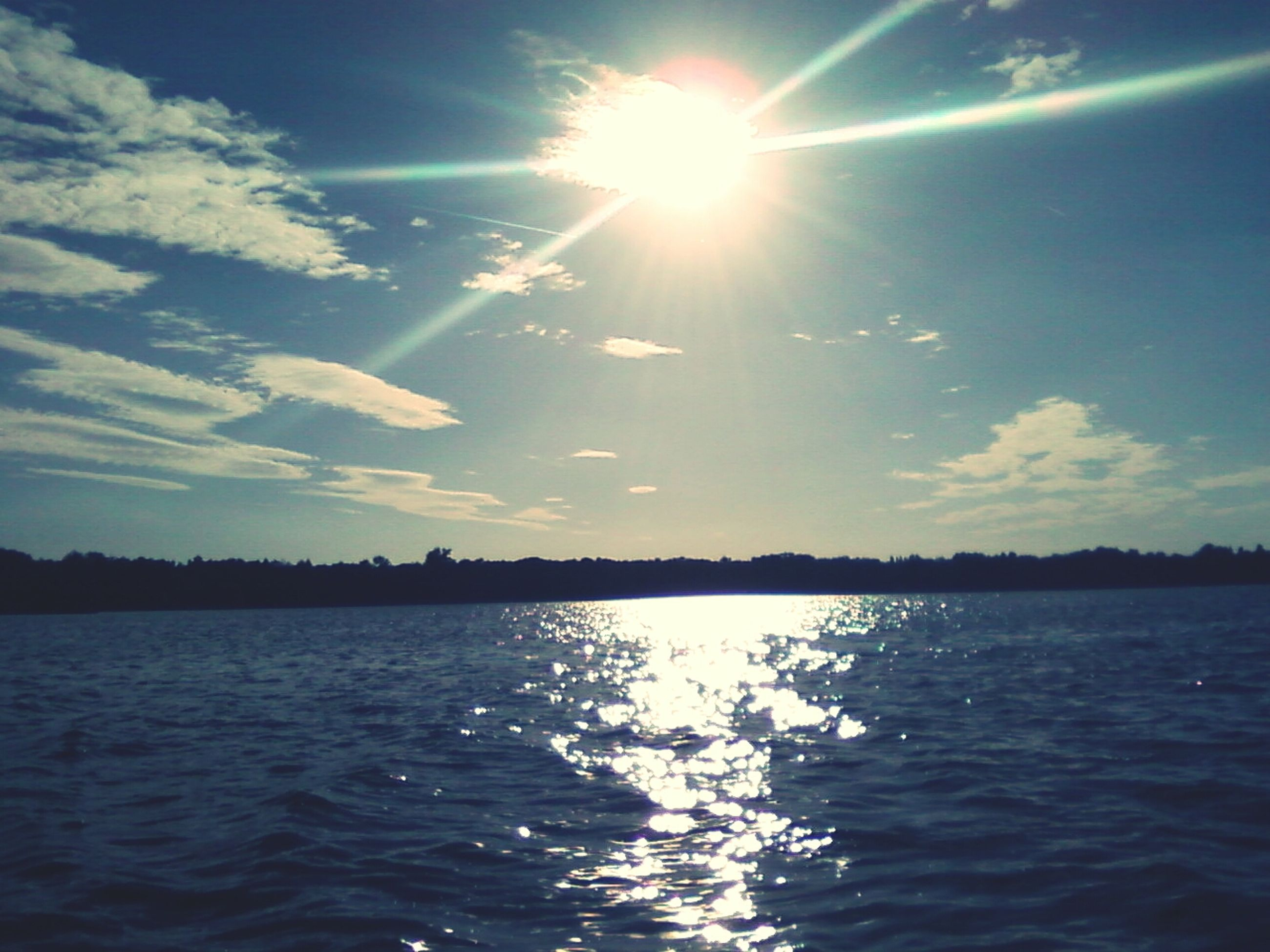sun, water, waterfront, sunbeam, sunlight, tranquility, sky, tranquil scene, reflection, scenics, beauty in nature, lens flare, rippled, nature, blue, lake, sea, sunny, idyllic, bright