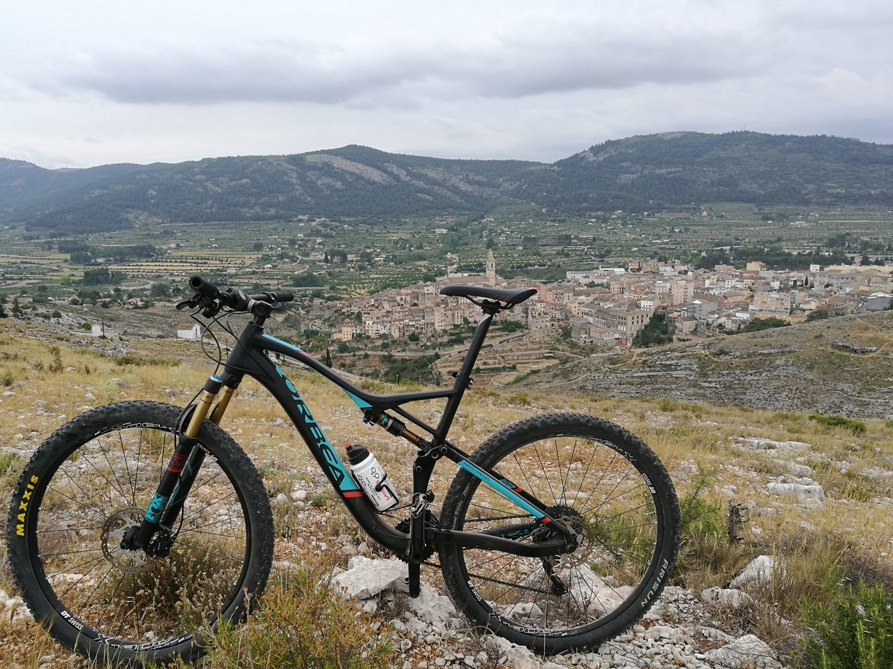 Bicycle Outdoors Landscape No People Mountain Nature Adventure Naturaleza Paisaje Montañas❤ Deruta Vidasana Deporte Mountainbike BTT MTB Trail Orbeabicycles Primavera Beauty In Nature Tranquility Desconexion