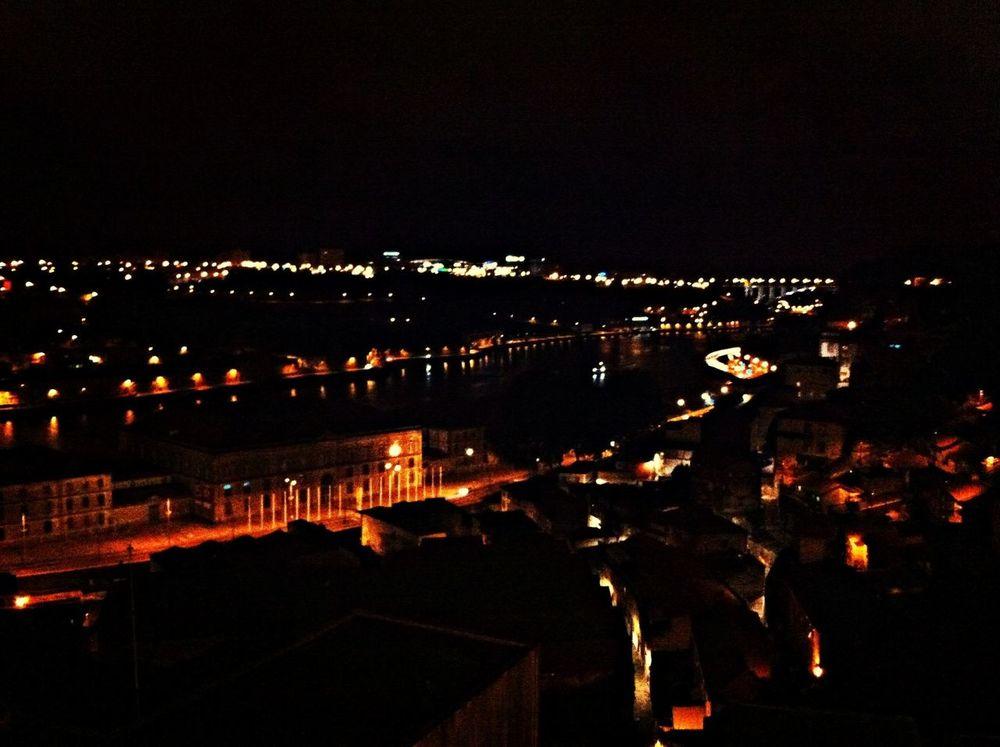 EyeEm Porto Nightphotography Night Lights Exploring #iphonesia #iphoneografy #iphoneonly #iphone4