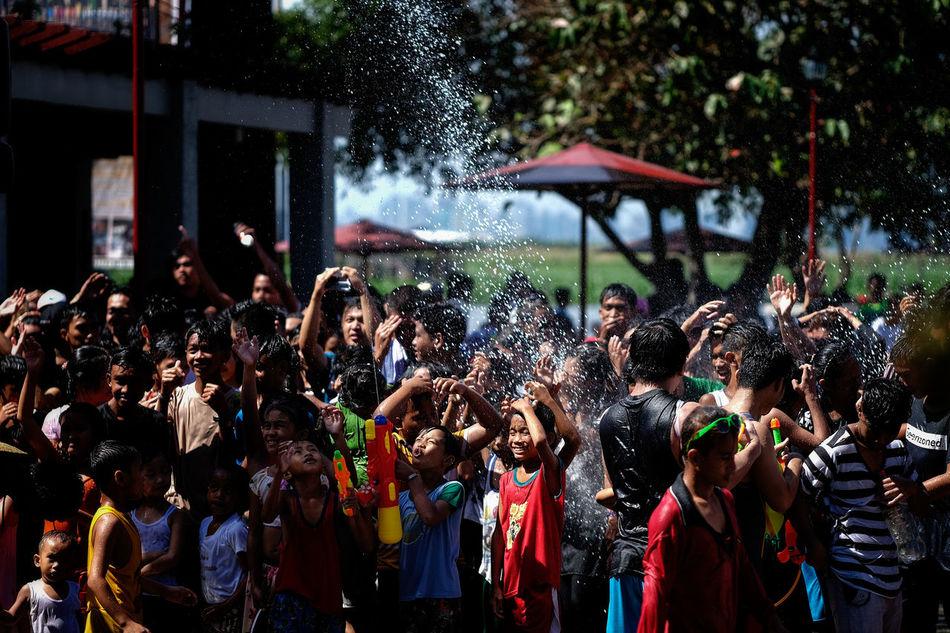 Filipino town fiesta My Year My View Philippines Fiesta Xt1 Fujifilm Philippines People Huawei P9 Angono Rizal Higantes Water Splash Happiness Life