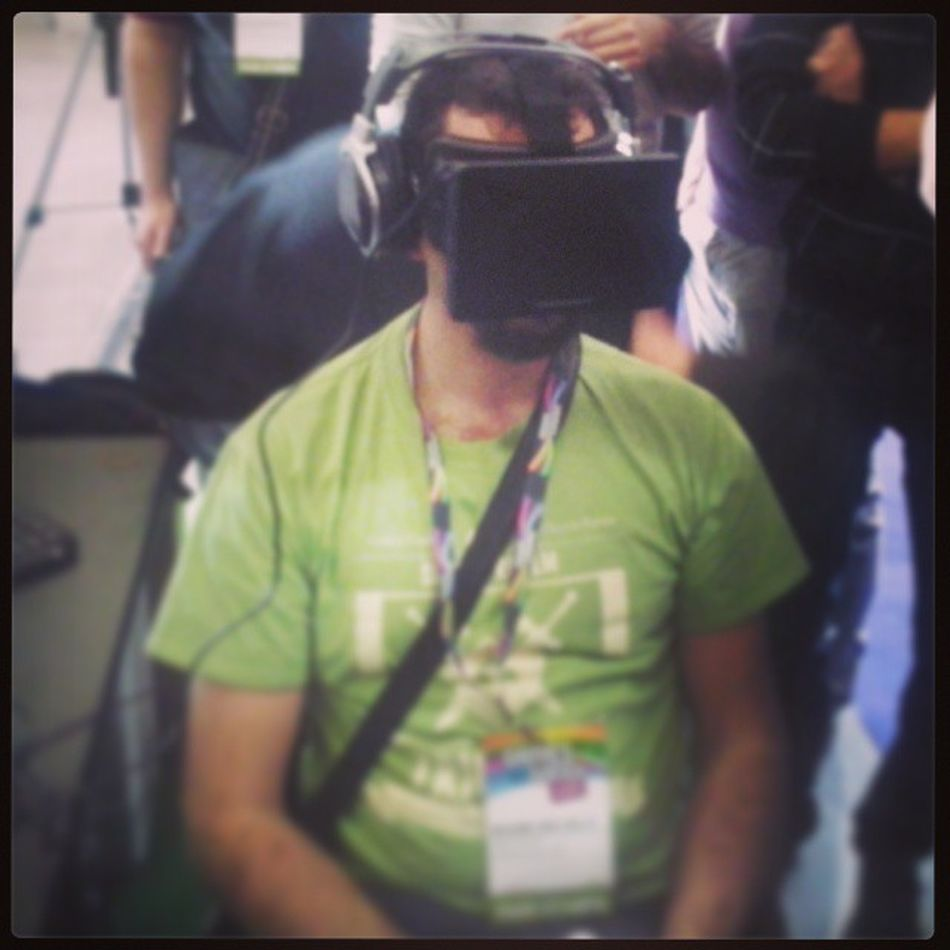@Viewtifulmax e l'Oculusrift Gamesweek Instalate Nerd green nerd