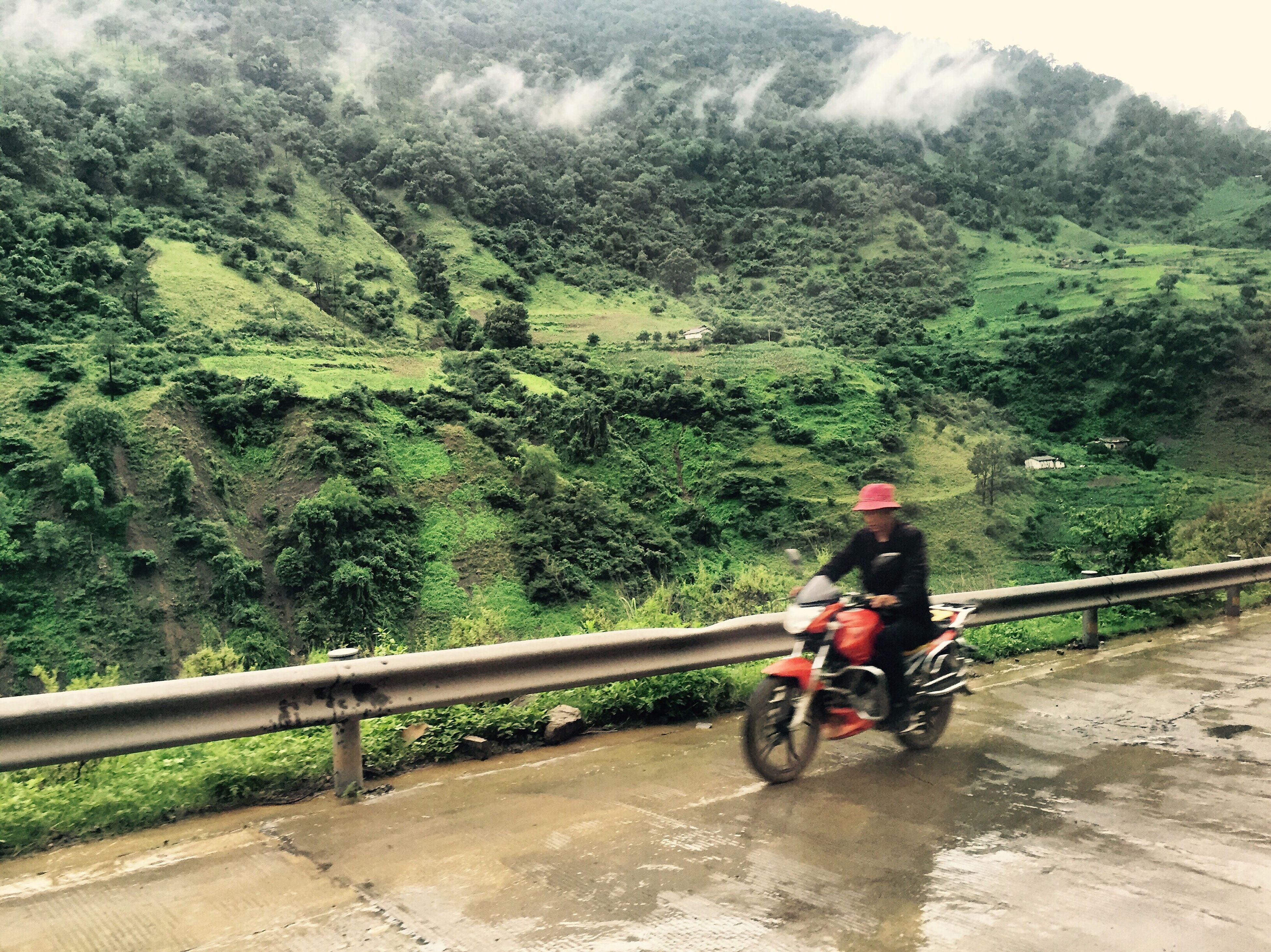 Atravesando o cordal do Gran Liangshan cara o Lago Lugu das terras mosuo China Liangshan Mosuo First Eyeem Photo