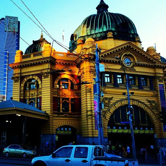 Melbourne Old and New . Flinders Street Station and the Eureka Tower