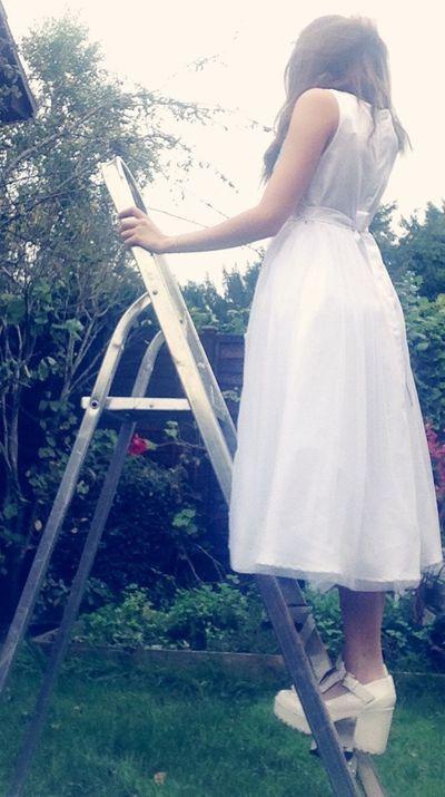 Bridesmaids Bridesmaid White Dress Whitedress BrownHair Brunette Girl  Love Heals All Wounds Green Grass Taking Photos Enjoying Life Autumn Winter October Love Single