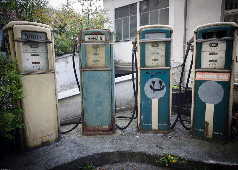 Gas Station My Eyes My Berlin Typo Around The World Classic Design Design Old Times My Lost Proberty Urban Exploration Not Forgotten NEM Memories NEM Still Life Color Design Space Gasstation Gas Benzin Things In A Row Things Organized Neatly Street Photography EyeEm_abandonment Vintage Pastel Power Streetart Berlin Streetart StreetArtEverywhere Beautifully Organized