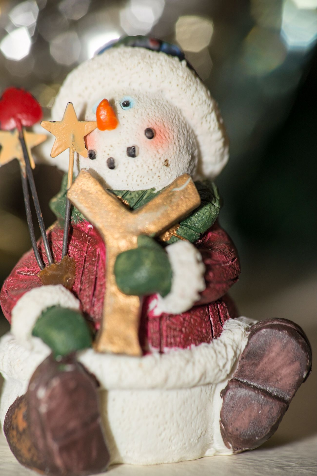 Ceramic Snowman Christmas Decorations Xmas Christmas Streamzoofamily Bokeh Photooftheday Check This Out Nikon Notes From The Underground Winter Solstice Taking Photos Canon D500 Happy Taking Pictures Snowman
