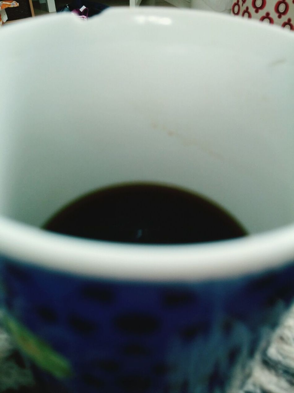 min fjärde kopp morgon kaffe, gick upp 06:15, innan tuppen.