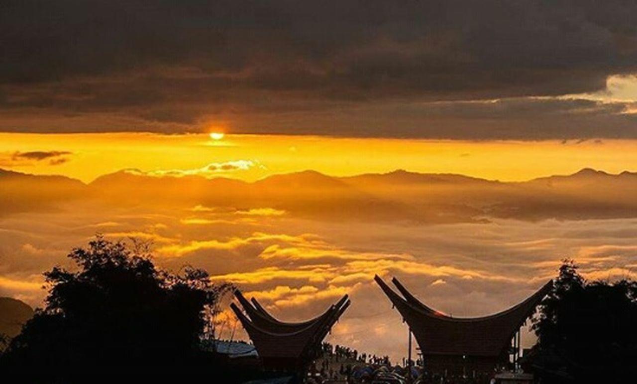 Sunset Cloud - Sky Cultures Photographer Rumah Adat Toraja Utara Land Above The Coulds