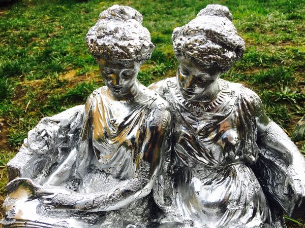 Ladies in the Grass. Statue Grass Metalic Silver  Ladies Women 2 Women