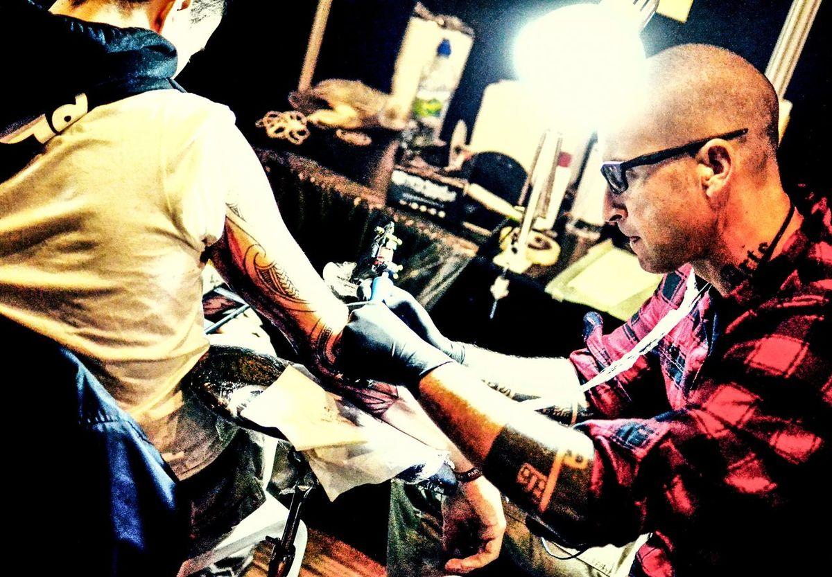 Ink Inked Tattooartist  Tattoo Tattoomachine Inkdrawing Artworks Colors Man Mondialdutatouage Inkarm TattooArm