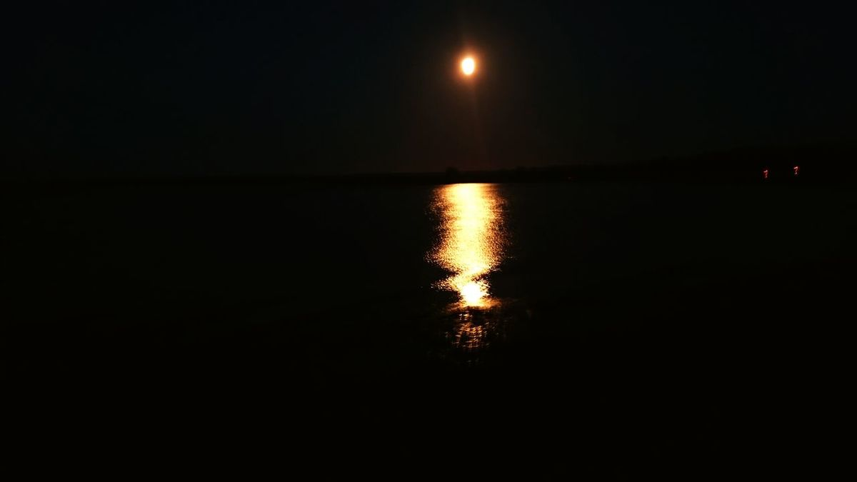 The sea with the moon. Sea Moonlight Darkness Dark Nightshot Water Water Reflections Red Moon Night