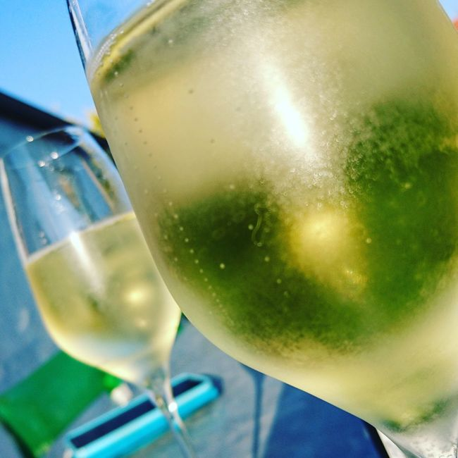 The last bubbles to be enjoyed outdoor this year ? Drink Refreshment Wineglass Alcohol Food And Drink Winetasting Bubbles Cava