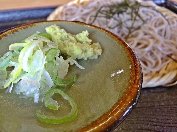安曇野の大王わさび農場で食べた、お蕎麦です。わさび、おつゆに漬けたらパーっと散っていき、風味もとても良かったです。 Japanese Soba Azumino-shi Holiday Memories