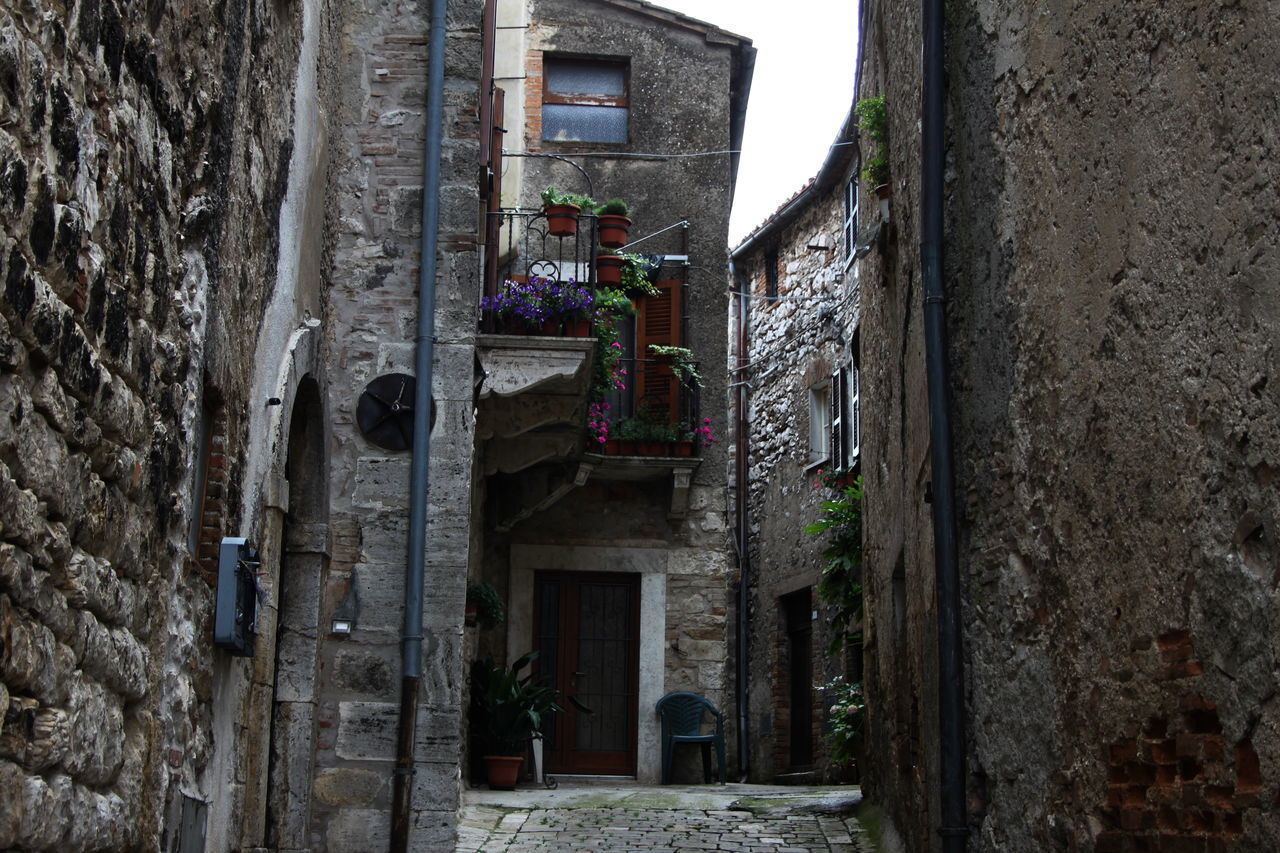 Alley Architecture Balcony Building Exterior Built Structure Day Italy Lugnano In Teverina Narrow No People Outdoors The Way Forward Town Umbria Window